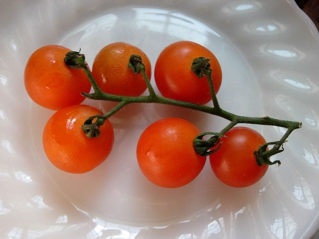 garlic cherry tomatoes