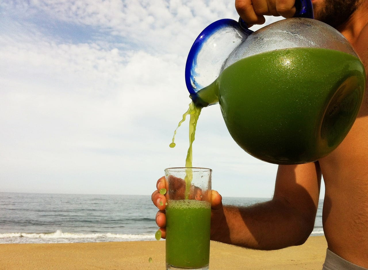 broccoli pineapple juice cool greens juice - jugo de mexico